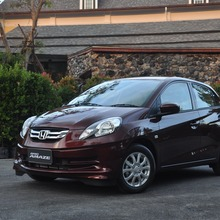 2012-Honda-BrioAmaze-GroupTest_72