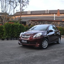 2012-Honda-BrioAmaze-GroupTest_73