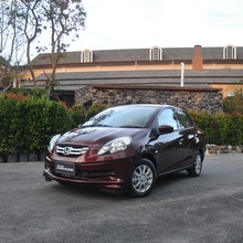 2012-Honda-BrioAmaze-GroupTest_75