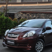 2012-Honda-BrioAmaze-GroupTest_76