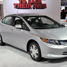 2012-Honda-Civic-Hybrid-Live-01