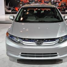 2012-Honda-Civic-Hybrid-Live-03