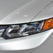 2012-Honda-Civic-Hybrid-Live-06