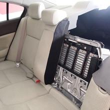 2012-Honda-Civic-Hybrid-Live-13
