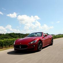 2012-Maserati-GranCabrio-Sport-22