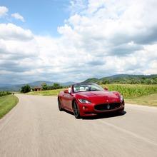 2012-Maserati-GranCabrio-Sport-25