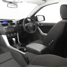 2012-Mazda-BT-50-03