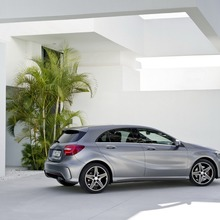 2012-Mercedes-A-Class-06