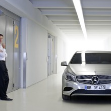 2012-Mercedes-A-Class-13