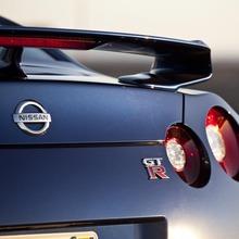 2012-Nissan-GT-R-Facelift-US-03