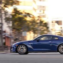 2012-Nissan-GT-R-Facelift-US-09
