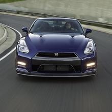 2012-Nissan-GT-R-Facelift-US-15
