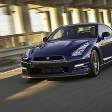 2012-Nissan-GT-R-Facelift-US-16