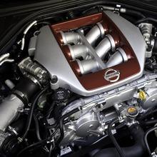 2012-Nissan-GT-R-Facelift-US-25