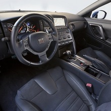 2012-Nissan-GT-R-Facelift-US-30