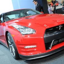 2012-Nissan-GT-R-Facelift-US-38