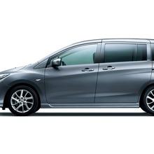 2012-Nissan-Lafesta-07