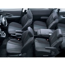 2012-Nissan-Lafesta-15