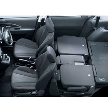 2012-Nissan-Lafesta-18
