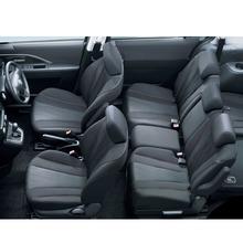 2012-Nissan-Lafesta-20