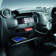 Nissan-March-2012-02
