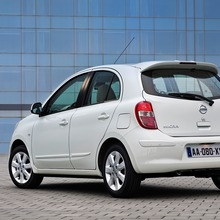2012-Nissan-March-Micra-DIG-S-02