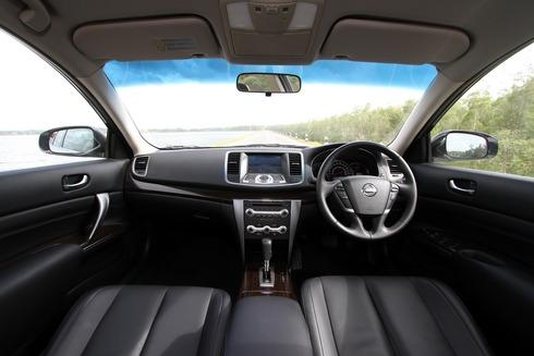 2012-Nissan-Teana-05_resize