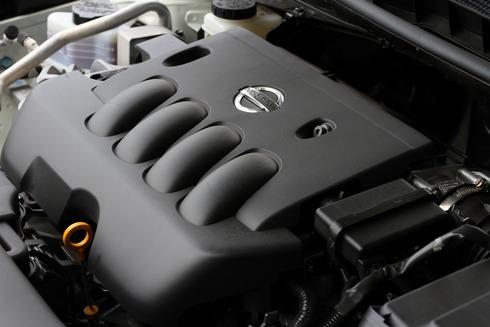 2012-Nissan-Teana-30_resize