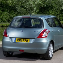2012-Suzuki-Swift-DDiS-02