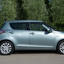 2012-Suzuki-Swift-DDiS-03