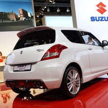2012-Suzuki-Swift-Sport-04