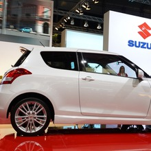 2012-Suzuki-Swift-Sport-05