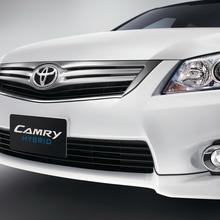 2012-Toyota-Camry-Hybrid-Extremo-02