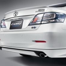 2012-Toyota-Camry-Hybrid-Extremo-03