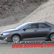 2012-Toyota-Camry-Hybrid-Spy-Shots-02