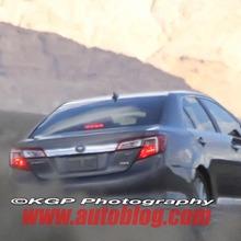 2012-Toyota-Camry-Hybrid-Spy-Shots-05