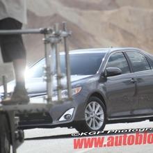2012-Toyota-Camry-Hybrid-Spy-Shots-09
