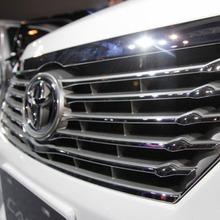 Toyota-Camry-2012-05