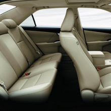 Toyota-Camry-2012-21