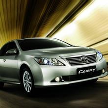 Toyota-Camry-2012-40