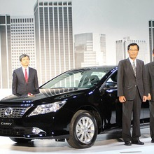 Toyota-Camry-2012-43