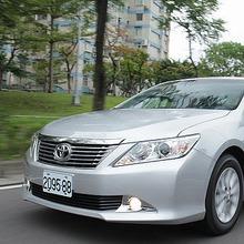 Toyota-Camry-2012-45