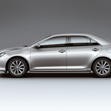 2012-Toyota-Camry-international-version-05