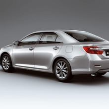2012-Toyota-Camry-international-version-06