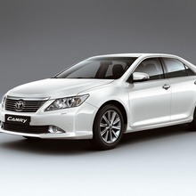 2012-Toyota-Camry-international-version-07