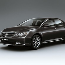 2012-Toyota-Camry-international-version-08
