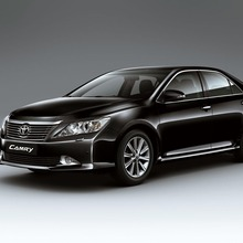 2012-Toyota-Camry-international-version-09