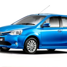 2012-Toyota-Etios-Liva-04