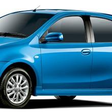 2012-Toyota-Etios-Liva-08