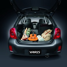 2012-Toyota-Yaris-RS(63)